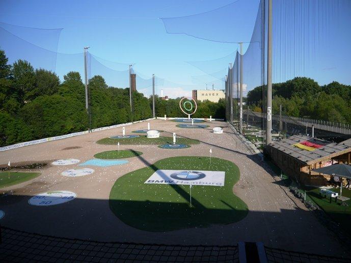 Golflounge Hamburg mit Golfshop zum Vergleichen von Golfsets